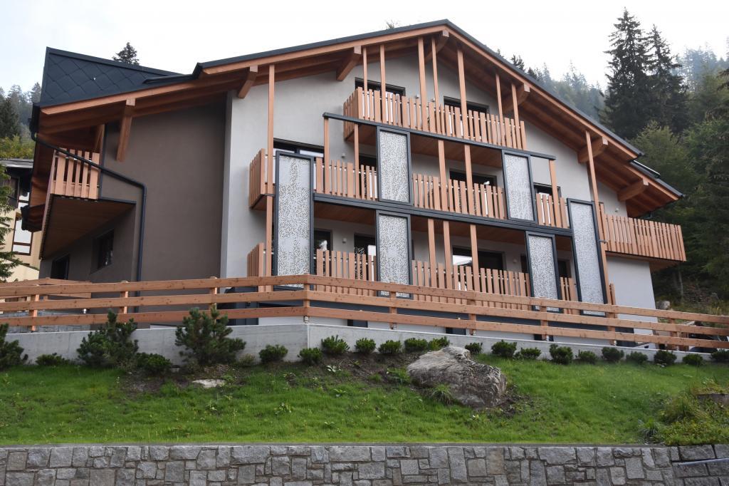 Casa Forestale Vista da Via Fevri