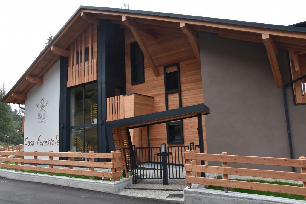 Casa Forestale Vista da Via Regole 2